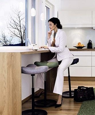 Stehhilfe für ergonomischen Arbeitsplatz