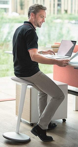 aktives Sitzen mit dem Stehhocker sedus se:fit